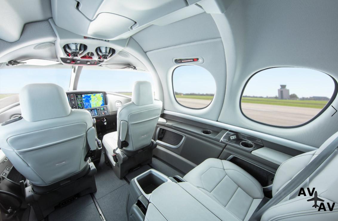 Luxaviation UK пополнила управляемый флот новым Cirrus Vision Jet